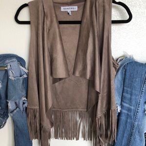 Jackets & Blazers - Like new! Lightweight Faux Suede Fringe Vest
